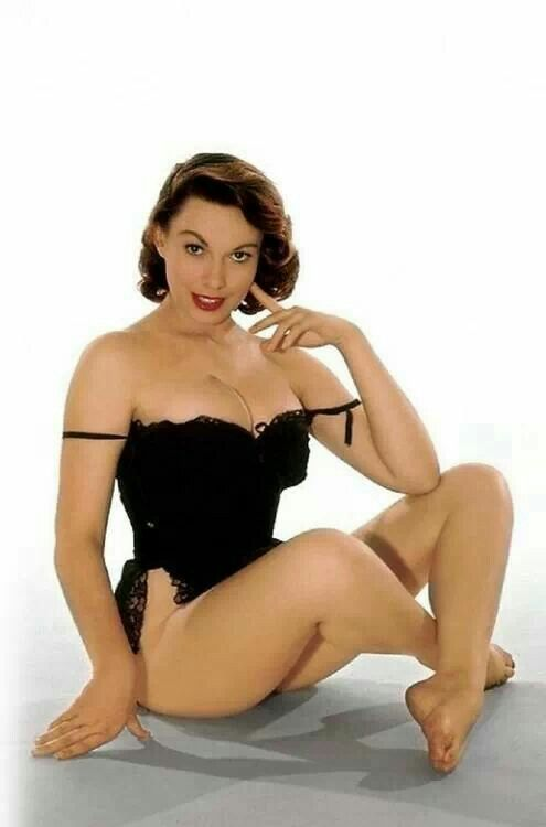 391 Best Vintage Pin Ups And Models Images On Pinterest Fashion Models Girl Models And Model