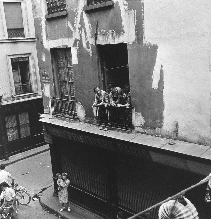 Robert Doisneau (Francia) La ventana, Paris 1949