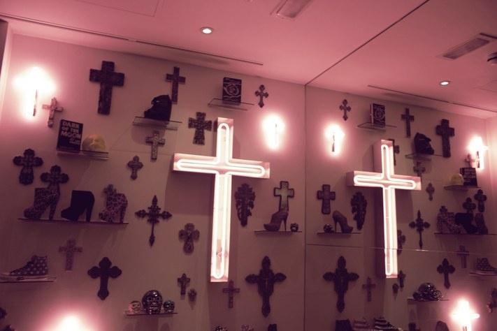 Neon crosses #lights #religious #symbols • Pinterest @camillaloves22 •