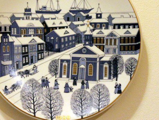 Christmas Plate by Arabia of Finland 1989 Designed by Raija Uosikkinen // Collectibles // Vintage