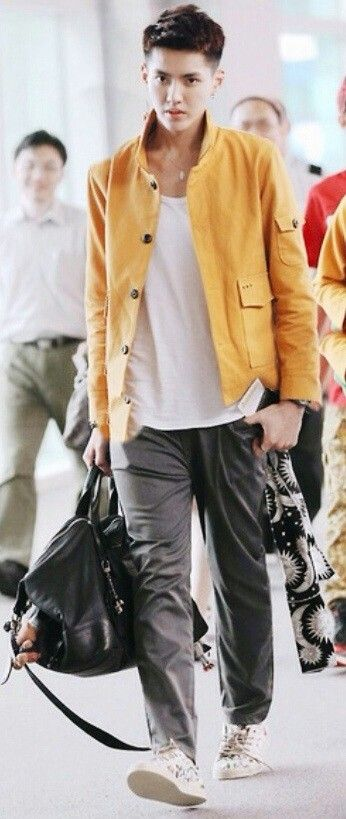 19 best Style images on Pinterest | Airport fashion, Kris ...