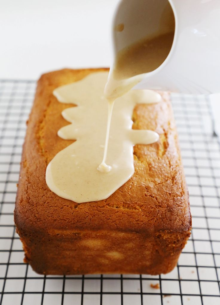 Vanilla Ricotta Pound Cake with Maple Glaze - Super moist, buttery vanilla pound cake with a spiced maple-cinnamon glaze. Thecomfortofcooking.com