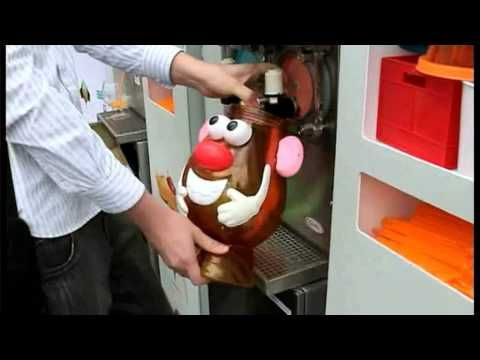 7-Eleven Slurpee Bring Your Own Cup Day 2012 - YouTube