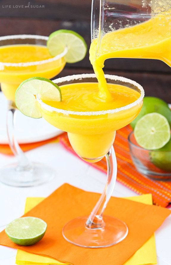 Mango Margaritas | 17 Boozy Mango Cocktails That Taste Like Summer