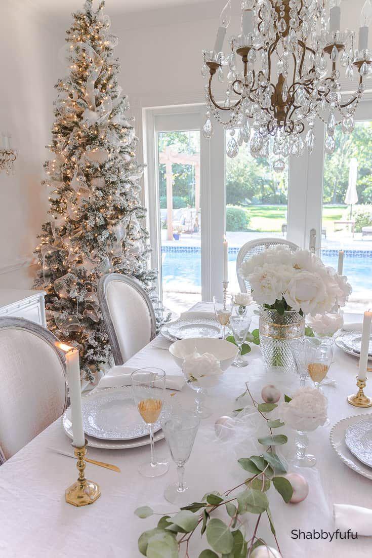 Stylish Holiday Table Ideas No Fuss Elegance Christmas Table Settings Christmas Table Decorations White Christmas Trees