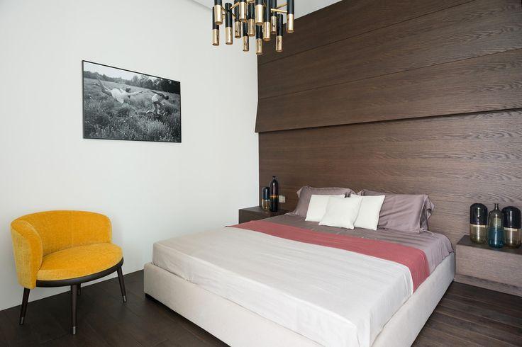 #frandgulo #interiordesign #home #fineinteriors #homedecor #спальня Аскетичный интерьер спальни, в стиле Джеймса Бонда