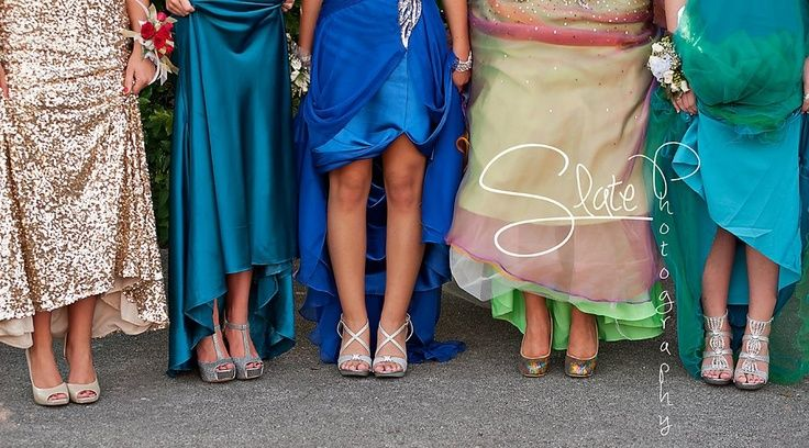 prom picture posing idea. Show off those ankles. Cute way to show off heels