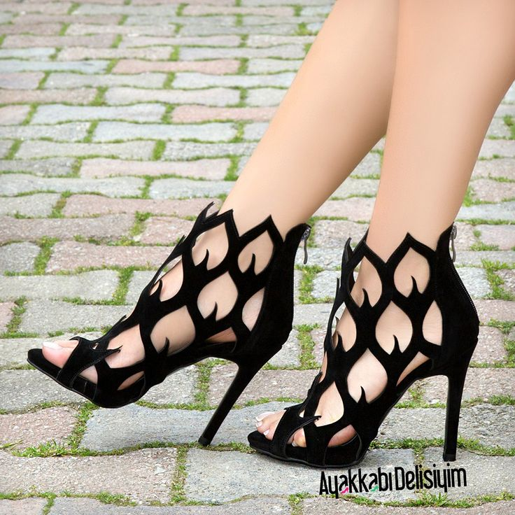 Black Shoes for weddings and graduations #heels