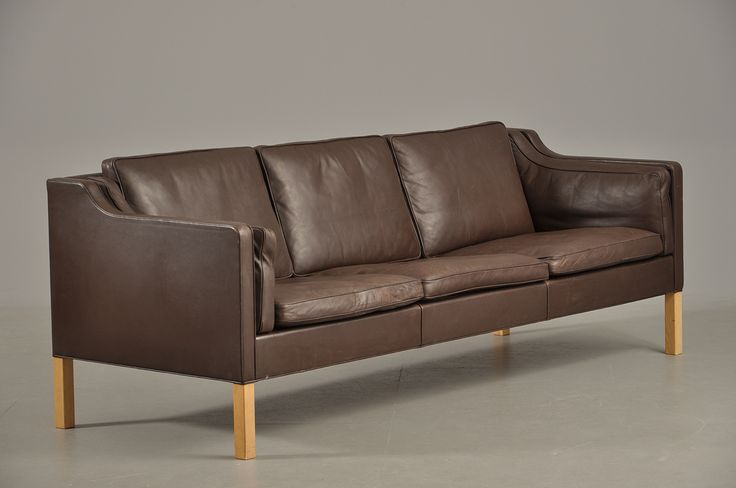 Three-seater sofa, model 2213, 1963.