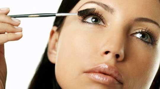 Maquillaje para una Secretaria - Para Más Información Ingresa en: http://comopintarselosojos.com/maquillaje-para-una-secretaria/