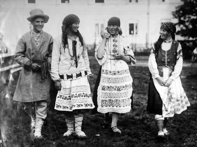 Young people from Pinsk district in Polesie Polish folk