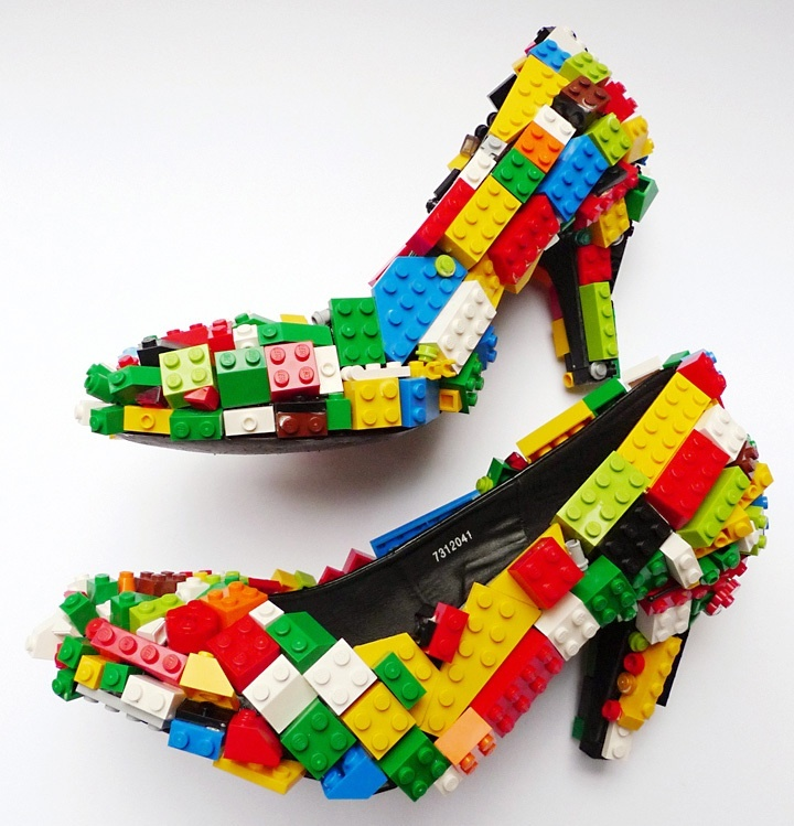 Now those are some cool shoes.  My nephew would probably try to make them out of his Legos if I showed him this pin.