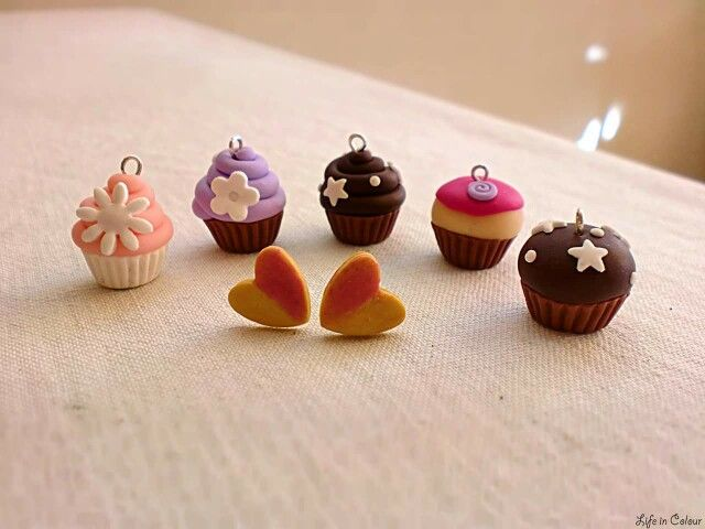 Polymerclay cupcake charms by Life in Colour Accessori Handmade ❤