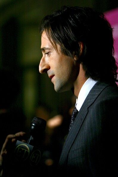 Adrien Brody Photos - Actor Adrien Brody attends the New York Film Festival premiere of 'The Darjeeling Limited' at Avery Fisher Hall on September 28, 2007 in New York City. - New York Film Festival - The Darjeeling Limited Premiere - Arrivals