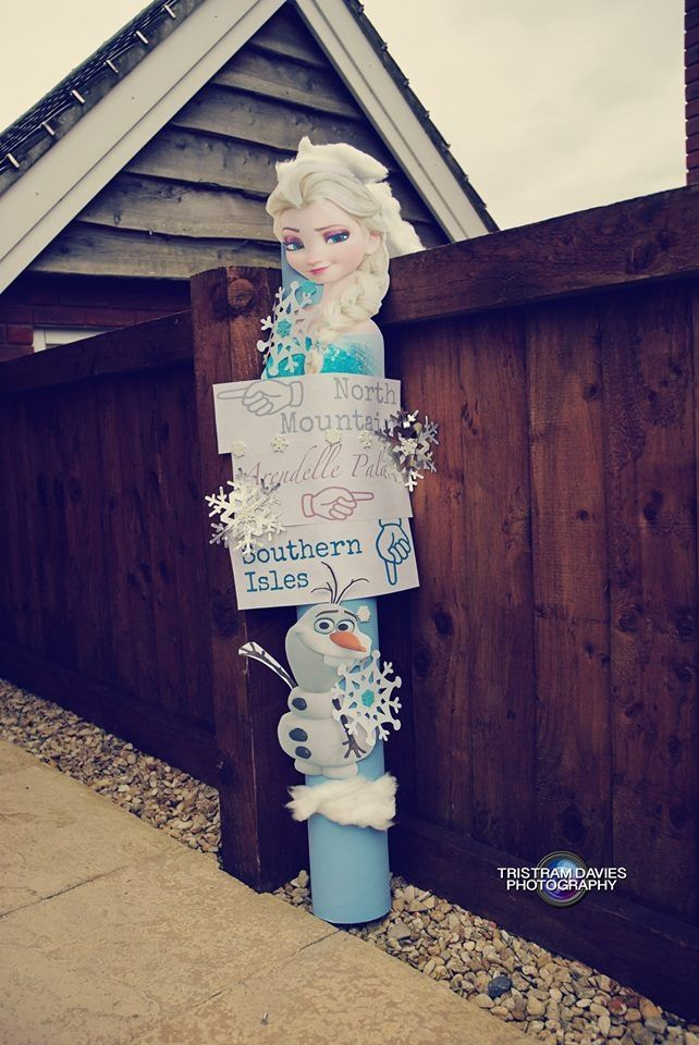 Signpost for frozen birthday party x