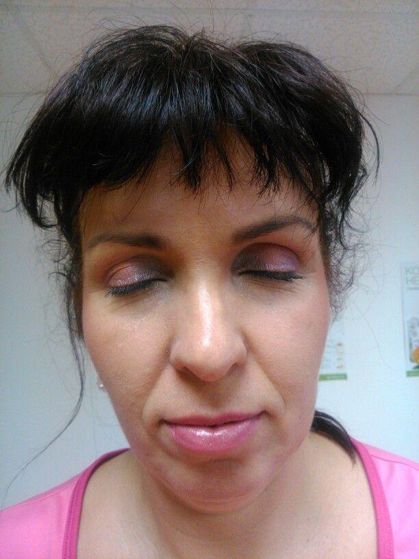 Ružovo fialové líčenie, ktoré nádherné osvieži tvár veľa ženám :-)