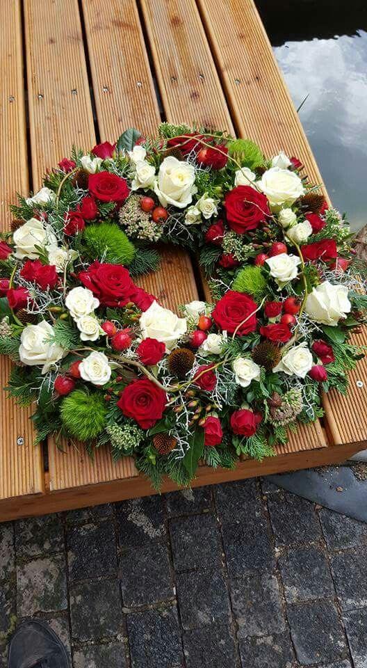 Rot  Wei  Beerdigung  Beerdigung blumen Kranz