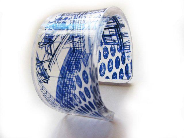 Transparante acrylaat hars armband manchet bangle met afbeelding van het hand-gedrukte kunst van huis plan blauwdruk door YoushiDesign op Etsy https://www.etsy.com/nl/listing/206964662/transparante-acrylaat-hars-armband