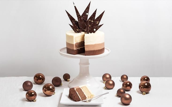 Christmas Chocolate Ombre Cake