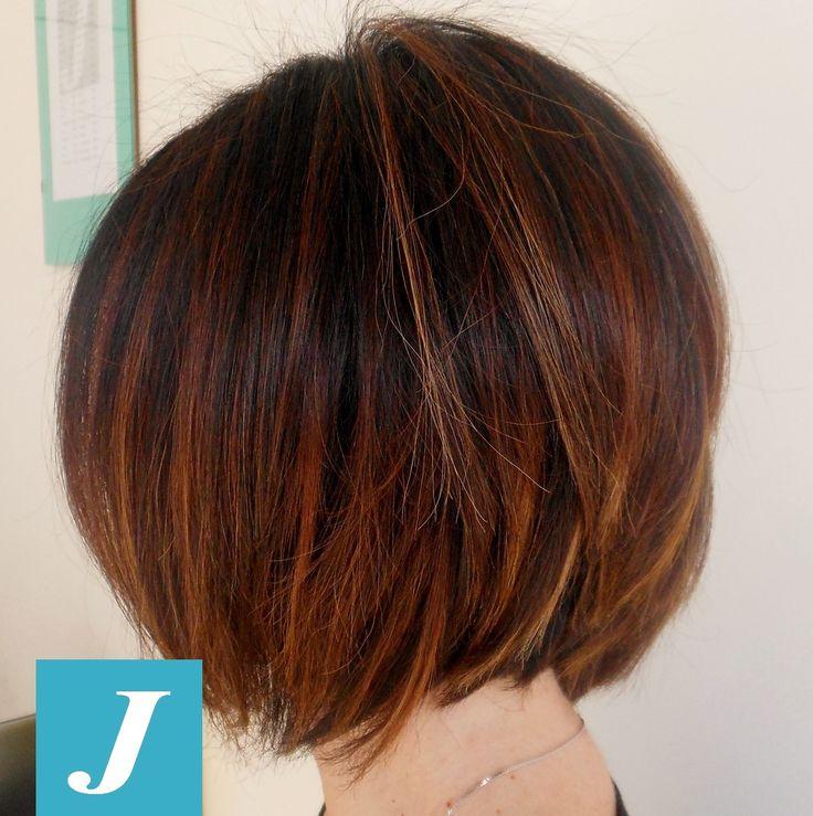 La tecnica del #Degradè #Joelle si può utilizzare anche su #capelli medio/corti per esaltare il #tagliopuntearia e renderlo unico... come Unica è ogni #donna. By #cdj #sforzacosta
