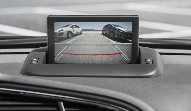Peugeot 5008: inedita nella sintesi tra comfort e sicurezza