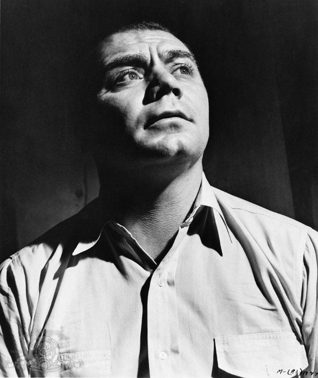 Still of Ernest Borgnine in Marty (1955) A great movie Italian Americans will appreciate.