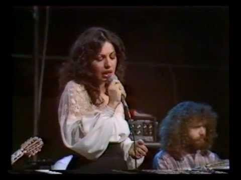 Μάνος Λοΐζος - Χάρις Αλεξίου Στοκχόλμη 1982 - YouTube