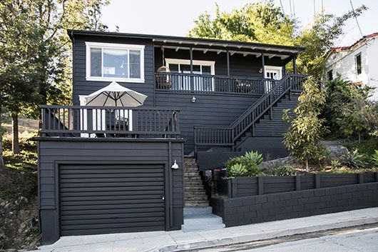 paint it black! / sfgirlbybay exterior paint colors: Benjamin Moore Oynx Black, trim Benjamin Moore Oxford White