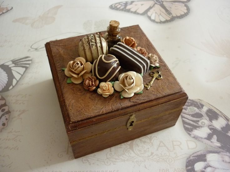 Mini chocolate box - Sarah Field