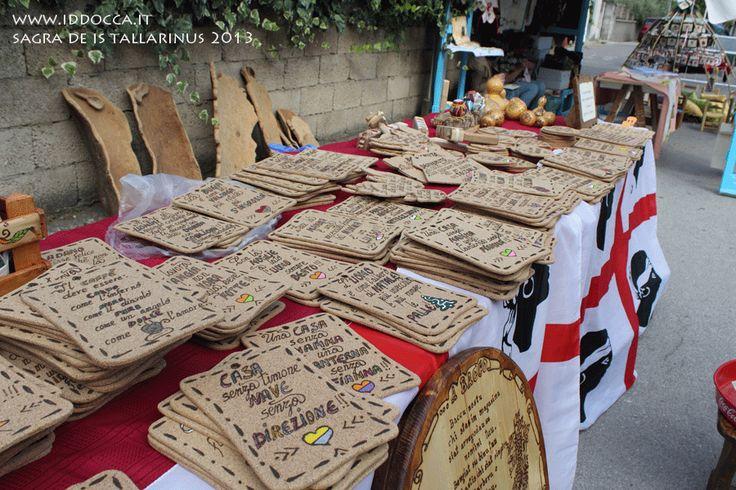 Un altro degli stand di artigianato sardo alla sagra.  Another of the stand of handicraft to the festival.