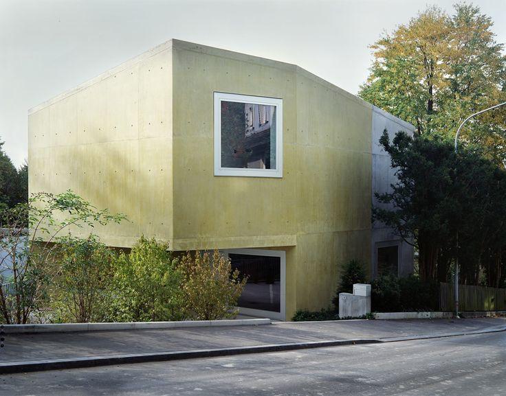 Gigon Guyer - Family house, Zurich 2003. Photos © Lucas Peters, Stijn Rolies, Hisao Suzuki.