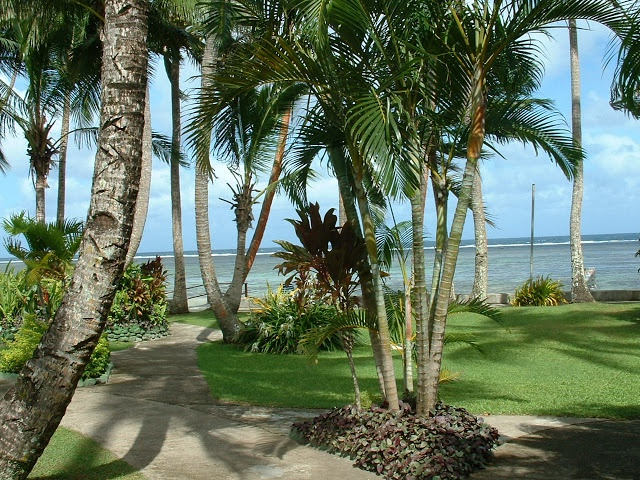 Fiji Hideaway Resort & Spa The ground and pathways