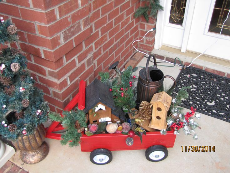 Decorating A Wheel Barrel For Christmas
