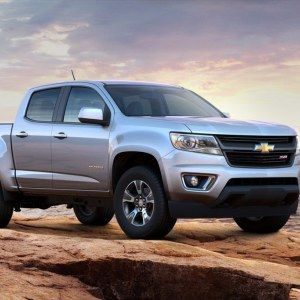"""GM reintroduce el Chevrolet Colorado 2015 en el mercado de América del Norte presentandolo en el Auto Show de Los Angeles. El nuevo Chevrolet Colorado tiene como objetivo """"redefinir las camio…"""