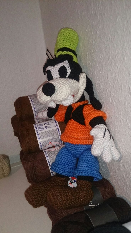 Crochet goofy
