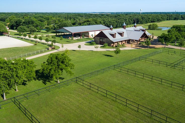 El Milagro Retreat - working equestrian ranch in Hickory Creek, Texas