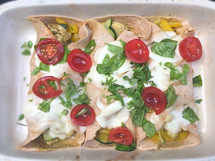 italiaanse wrap met pesto kip en groenten