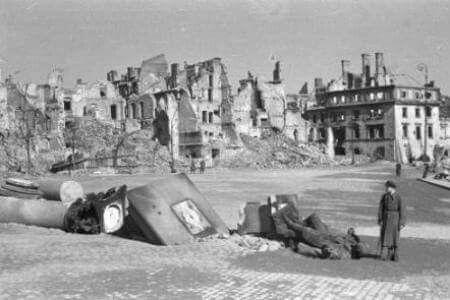 Dzis 71 rocznica wyzwolenia Warszawy,  albo tego co z niej zostalo ...