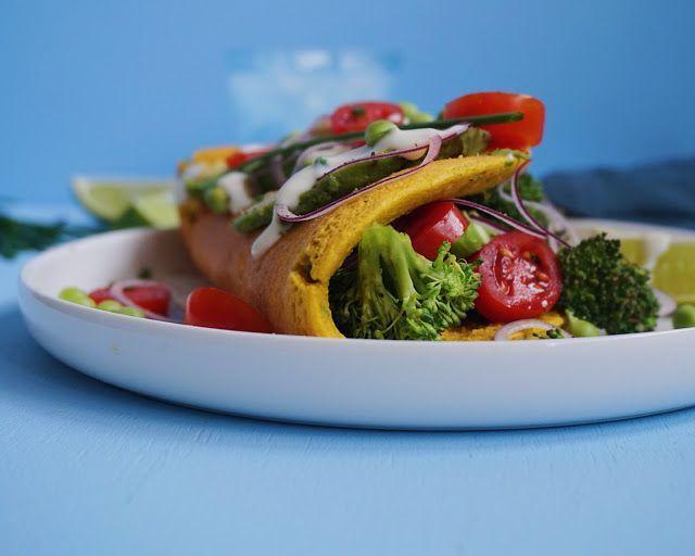 VEGANSK OMELET - kikærtepandekage med broccili, tomat og avokado