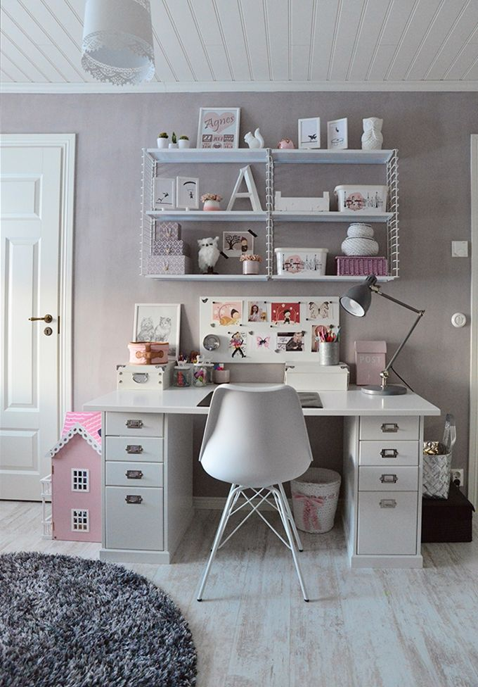 Girl´s room / desk / work station / Kalklitir Add simplicity