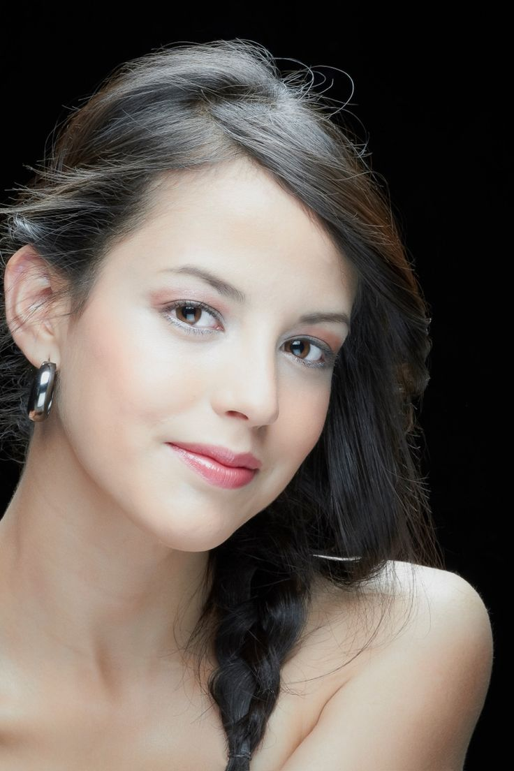 Modelo: Natalia Torres - Maquillaje: Diego Vega - Post: Boris Nieto  2013