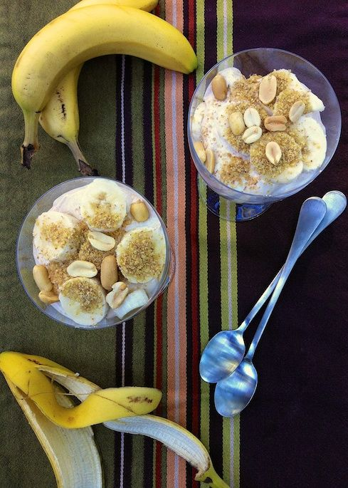 Whipped Peanut Butter Banana Parfaits | Teaspoonofspice.com No cook recipe good for breakfast, snack or even dessert!
