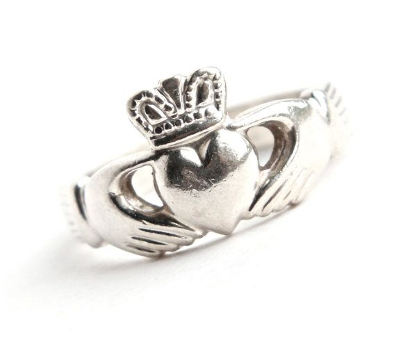 vintage sterling silver claddagh ring made in