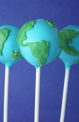 These globe cake pops would be a great idea to be right on top of the table setting when the guests sit down after arriving.