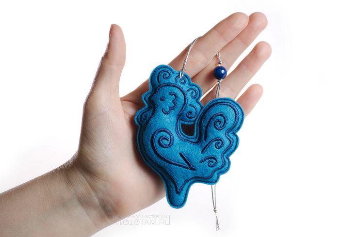"""Игрушки для набора """"Пряники"""" голубые: петушок с синей вышивкой"""
