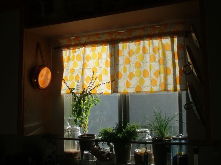 Perfect The 25+ Best Half Window Curtains Ideas On Pinterest | Kitchen Window  Curtains, Cafe Curtains Kitchen And Kitchen Window Decor