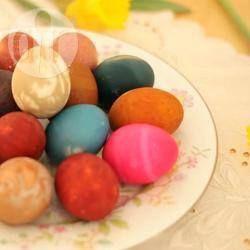 Natural Dyes for Easter Eggs @ allrecipes.com.au