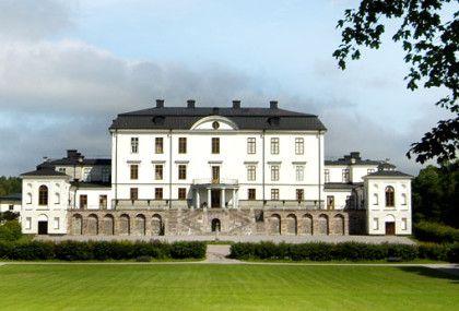 Att gifta sig på ett kungligt slott är för många en dröm – på Rosersbergs Slottshotell kan drömmen gå i uppfyllelse! Slottet finns en halvtimme från Stockholm city och ett stenkast från Arlanda.