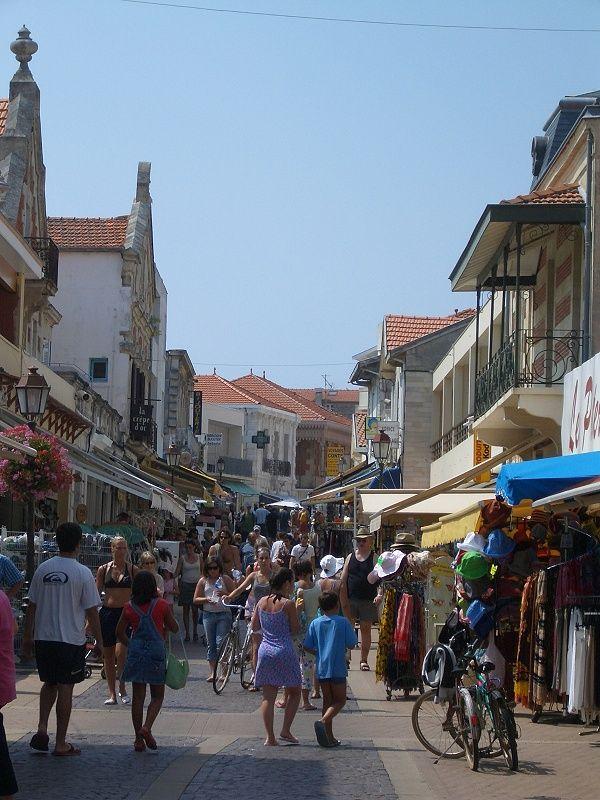 Soulac sur Mer wurde in Frankreich, Soulac sur Mer aufgenommen und hat folgende Stichwörter: Atlantikküste, Frankreich.