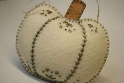 felt pumpkin- no instructions but maybe I can figure it out on my own